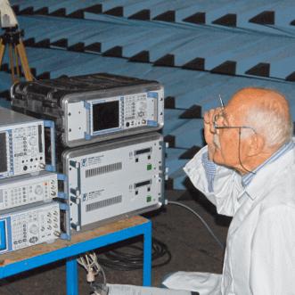 Mesures de la force de champ radiofréquence sur place